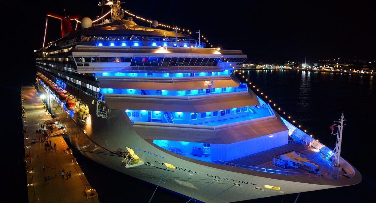 cruise-ship-778533_1920
