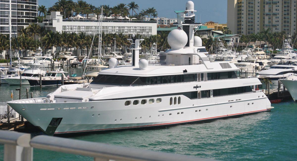 yacht-20896_1920